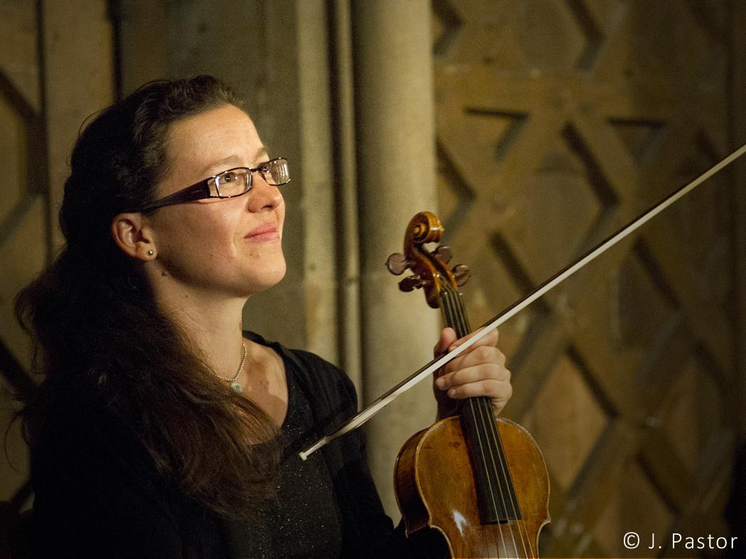 concert-hostel-dieu-LETORE-Claire-violon-credit-J.Pastor